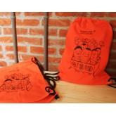 束口後背包/雲林特產作物-2.橘紅色-東勢紅蘿蔔一家子
